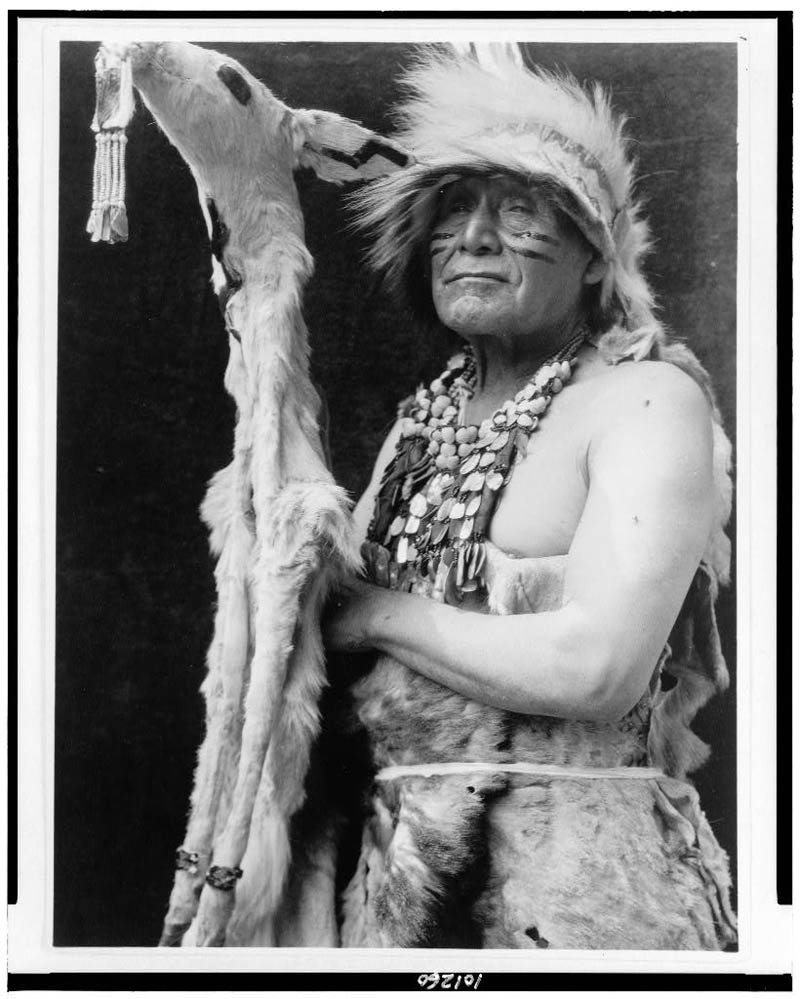 native american portraits by edward s curtis early 1900s 26 Portraits of Native Americans from the Early 1900s