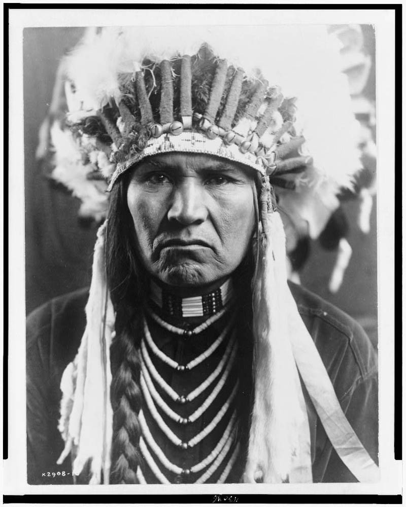 portraits of native americans from the early 1900s