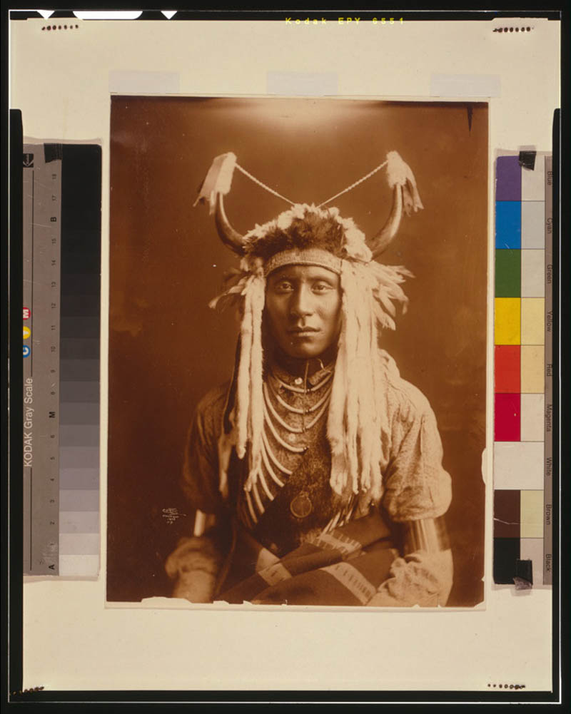 native american portraits by edward s curtis early 1900s 4 Portraits of Native Americans from the Early 1900s
