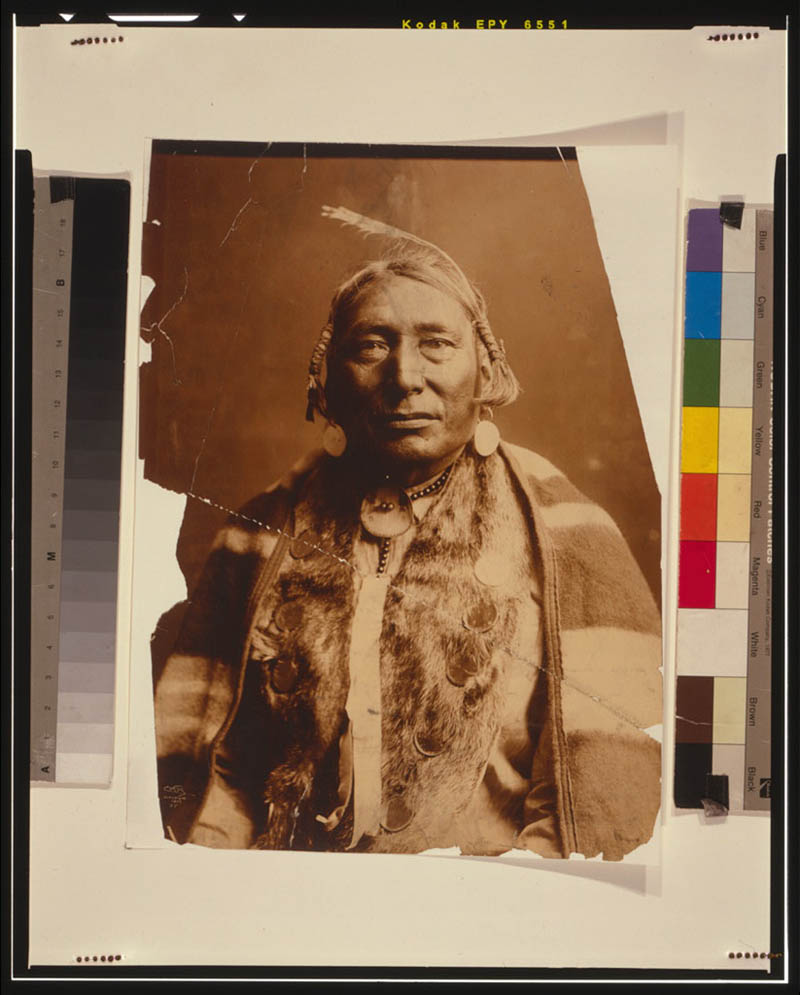 native american portraits by edward s curtis early 1900s 5 Portraits of Native Americans from the Early 1900s