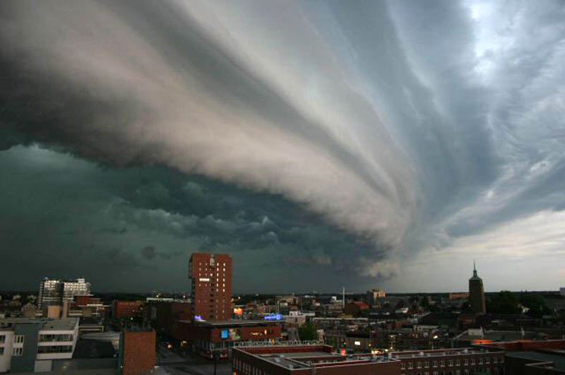 shelf clouds 15 Incredible Cloud Formations