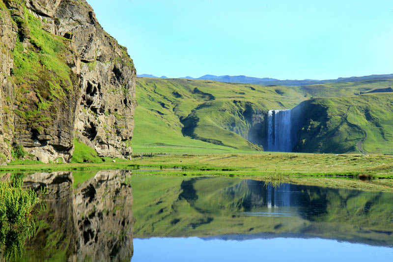 Picture Of The Day The Breathtaking Skogafoss Falls In Iceland Twistedsifter