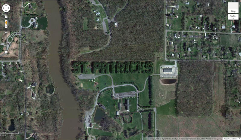 st patricks day laurel indiana michigan border 12 Places Around the World That Turn Green for St. Patricks Day