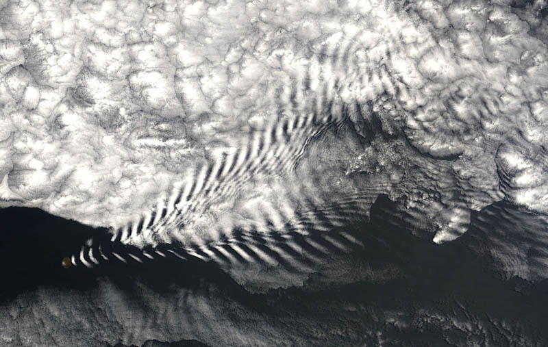 wave cloud from space 15 Incredible Cloud Formations