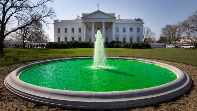 white house fountain green st patricks 12 Places Around the World That Turn Green for St. Patricks Day