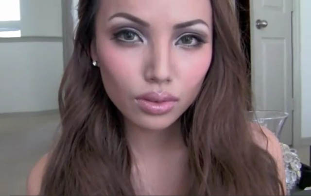 angelina jolie youtube makeup celebrity promise pham 21 Amazing Transformations by a YouTube Makeup Queen