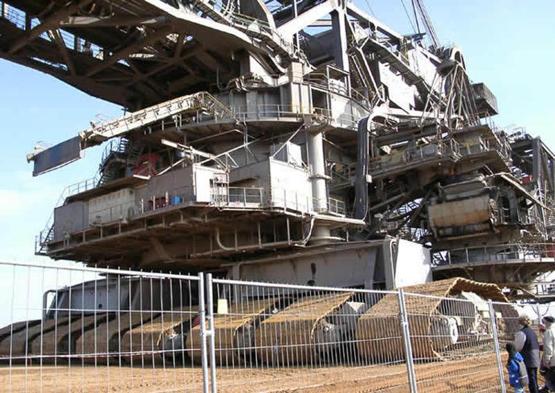 bagger 288 largest land vehicle in the world 1 The Largest Land Vehicle in the World