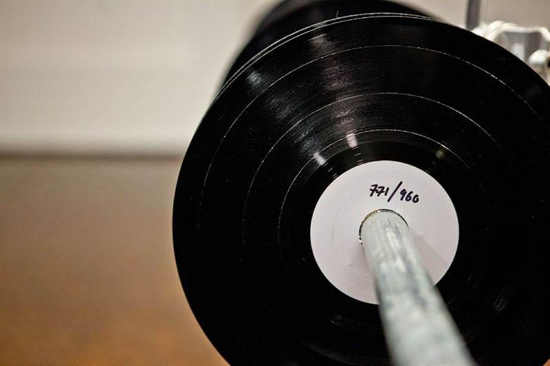 benga i will never change music video vinyl soundwave by us 7 Music Video Recreates Waveform Using 960 Vinyl Records