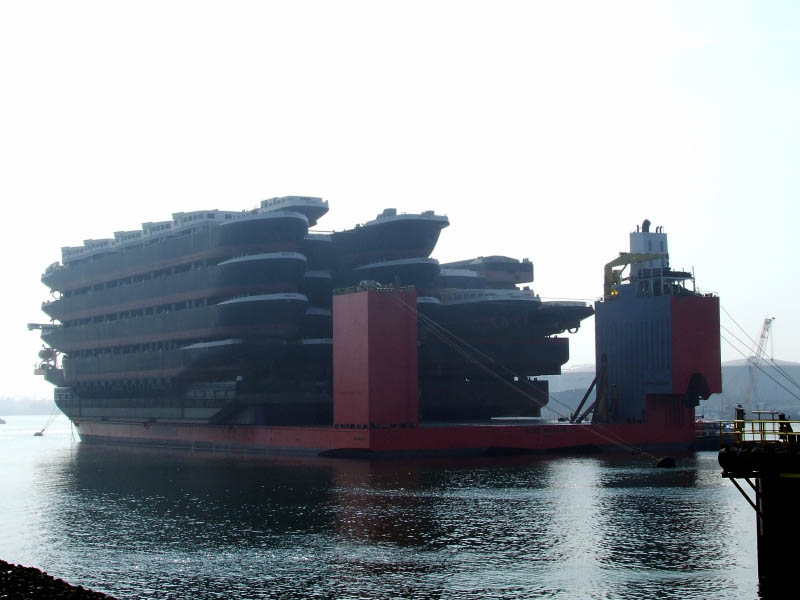 blue marlin heavy lift ship transports rigs and other ships 2 Blue Marlin: The Giant Ship That Ships Other Ships