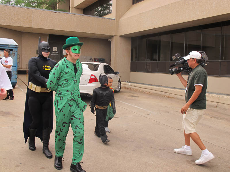 boy with leukemia batman for day arlington texas 27 Boy With Leukemia Becomes Batman for a Day