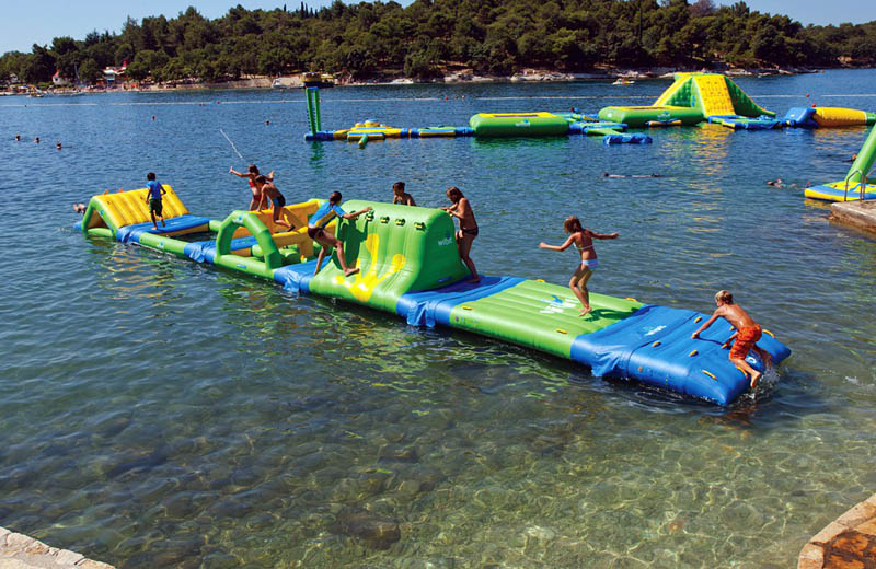 giant inflatable water parks wibit sports modular 19 The Most Amazing Inflatable Water Parks Ever