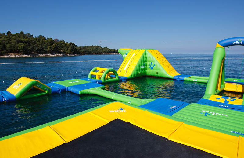 giant inflatable water parks wibit sports modular 5 The Most Amazing Inflatable Water Parks Ever