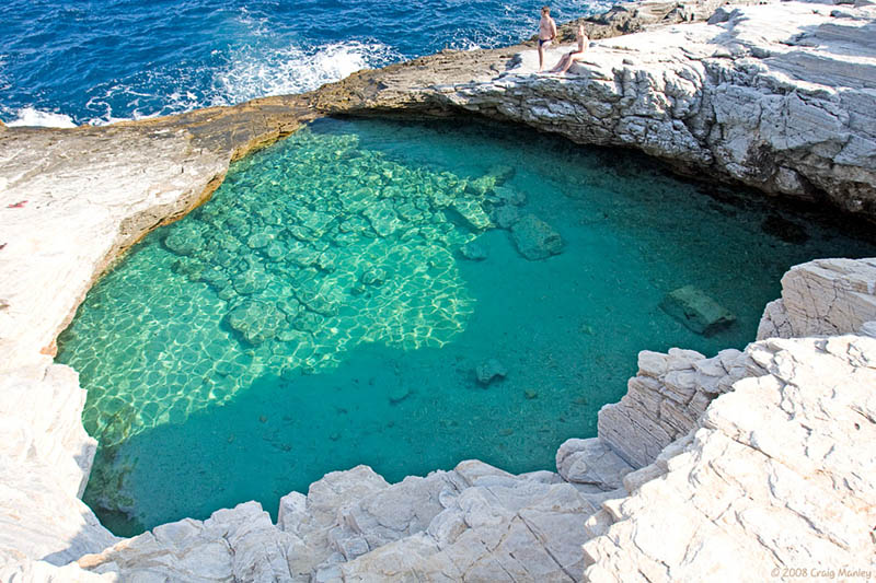 The giola lagoon in greece twistedsifter for Crystal water piscinas