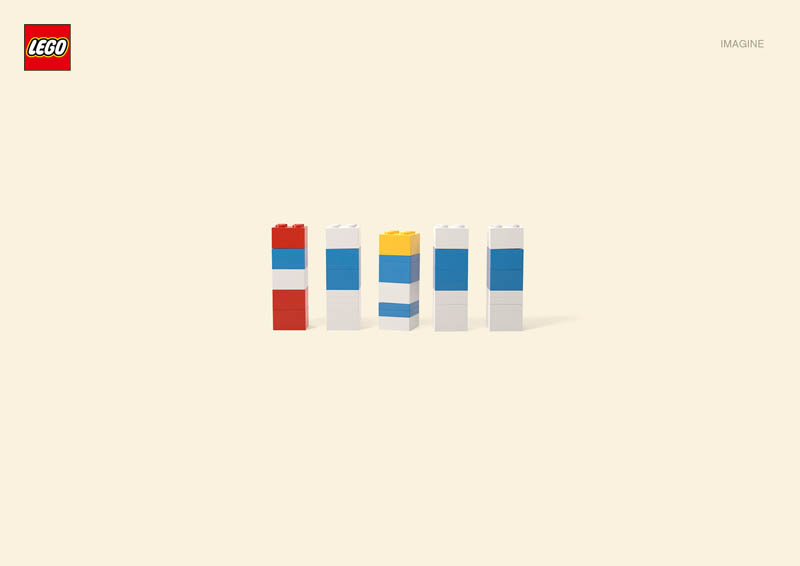 lego smurfs Recreating Famous Cartoon Characters Using the Least Lego Pieces