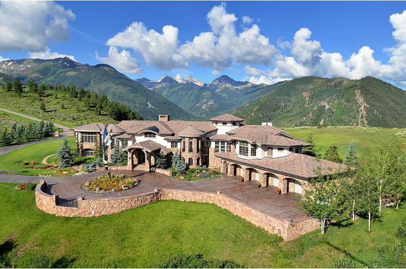 A Mansion in theMountains