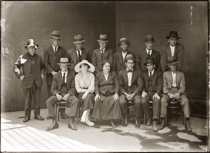 old vintage police record crime photos black and white sydney 18 25 Vintage Police Record Photographs