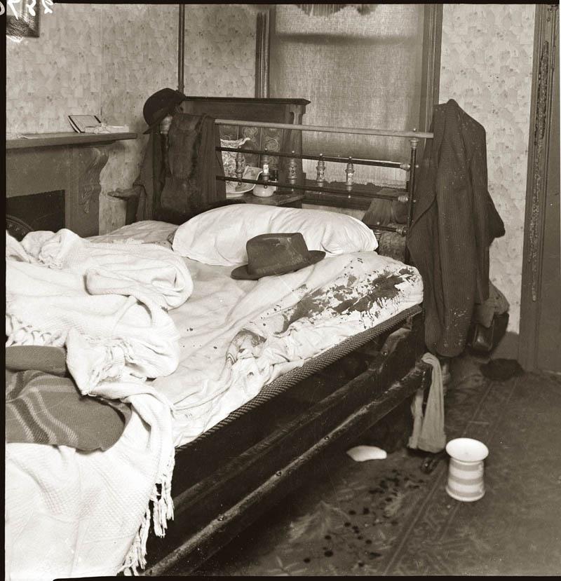 old vintage police record crime photos black and white sydney 2 25 Vintage Police Record Photographs