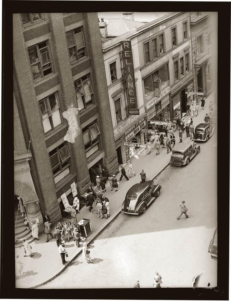 old vintage police record crime photos black and white sydney 20 25 Vintage Police Record Photographs
