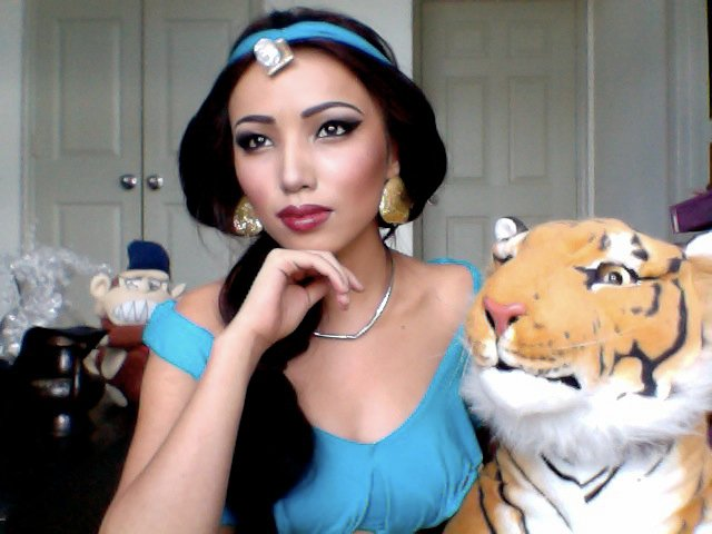 princess jasmine youtube makeup celebrity promise pham 21 Amazing Transformations by a YouTube Makeup Queen