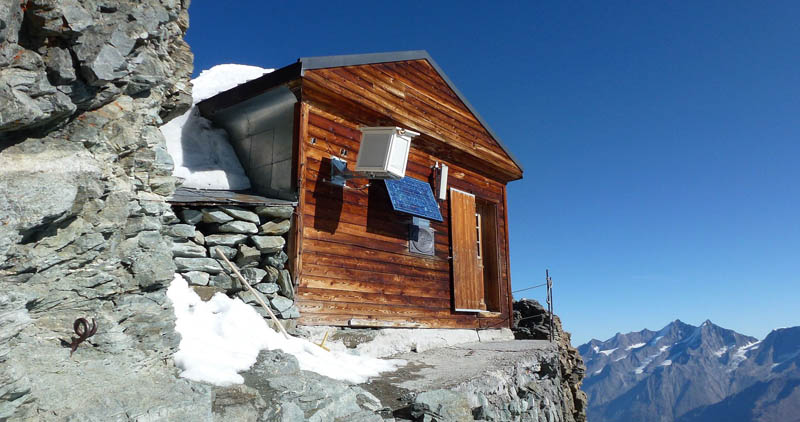 solvay hut matterhorn solvayhutte cabin on mountain above clouds switzerland 7 The Hut Above the Clouds on the Matterhorn