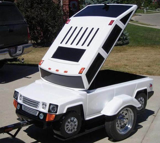 trailers that look like miniature cars 9 16 Bizarre Trailers That Look Like Miniature Cars