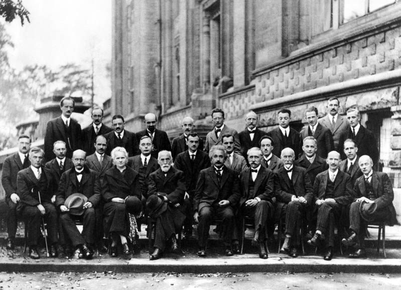 5th solvay conference 1927 einstein bohr curie The Most Epic Group Photos You Will See Today