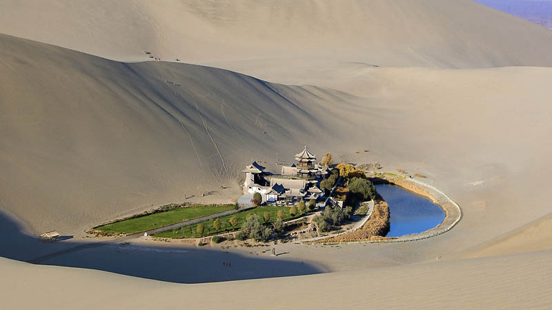 crescent lake desert oasis dunhuang china Crescent Lake: A Desert Oasis in China