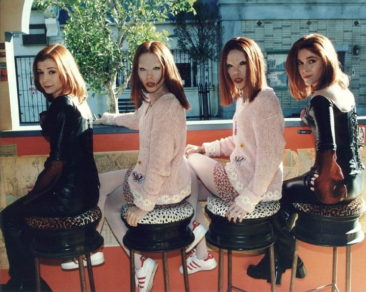 double doppelgangland buffy the vampire slayer 30 Actors Posing With Their Stunt Doubles
