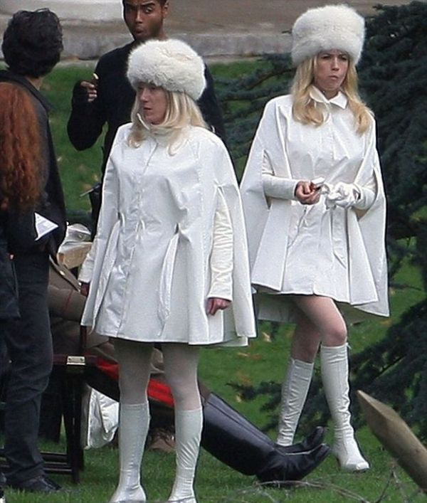 january jones and stuntwoman 30 Actors Posing With Their Stunt Doubles