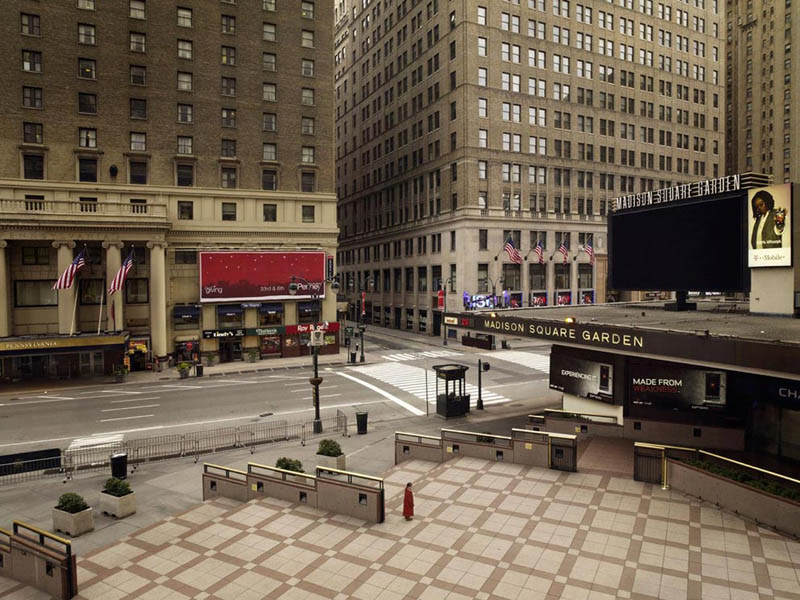madison square 200x256cm 2009 silent world without people lucie and simon Visions of Cities Without People