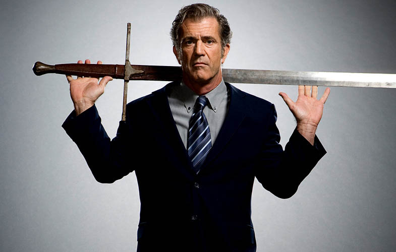 mel gibson braveheard empire shoot 1 Actors Revisit Their Famous Roles in Normal Attire