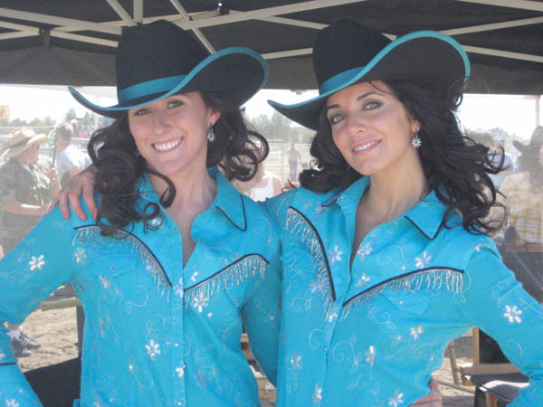 michelle morgan heartland stunt double 30 Actors Posing With Their Stunt Doubles