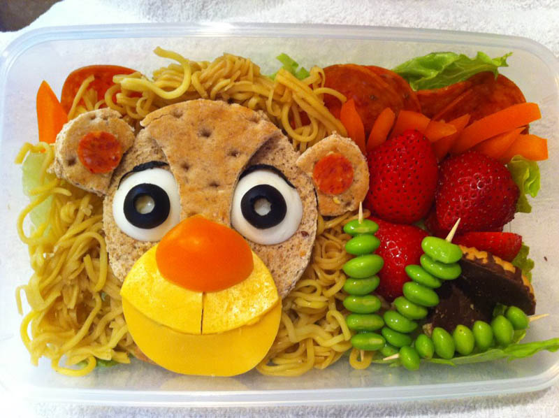 mom makes lunch art for son bento box art 1 Awesome Mom Turns Sons Lunches Into Works of Art