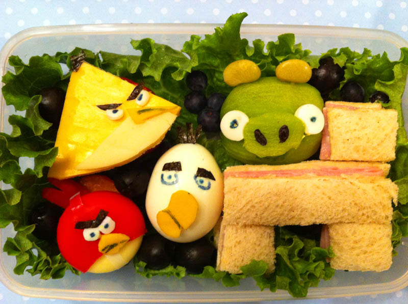 mom makes lunch art for son bento box art 15 Awesome Mom Turns Sons Lunches Into Works of Art