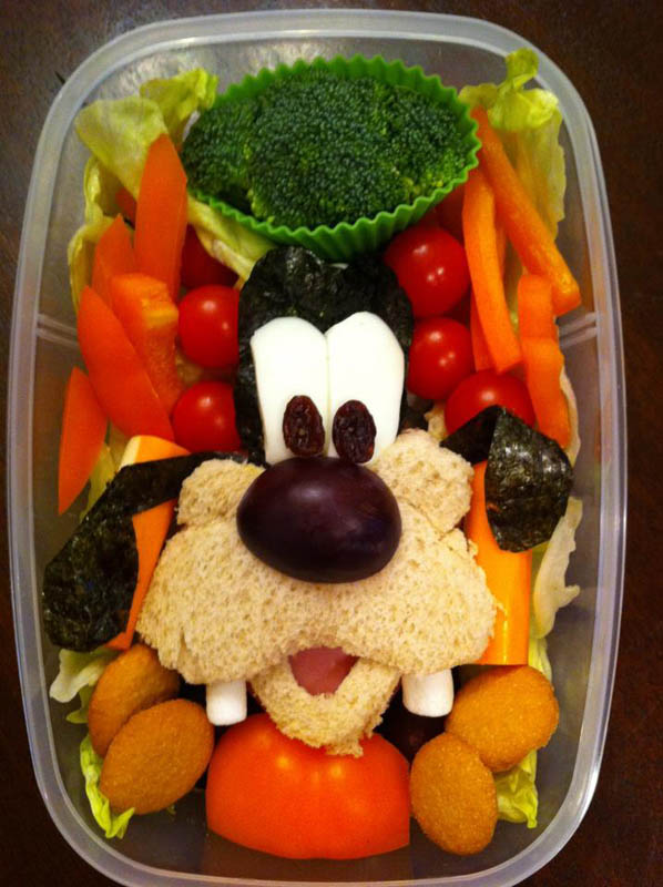 mom makes lunch art for son bento box art 3 Awesome Mom Turns Sons Lunches Into Works of Art