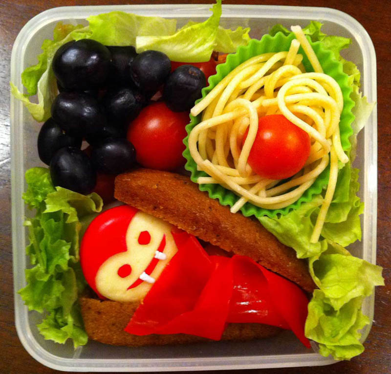 mom makes lunch art for son bento box art 8 Awesome Mom Turns Sons Lunches Into Works of Art