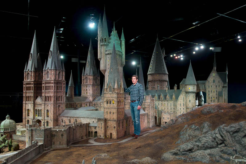 real life hogwarts castle scale model 1 Replacing an IMAX Screen [44 pics]