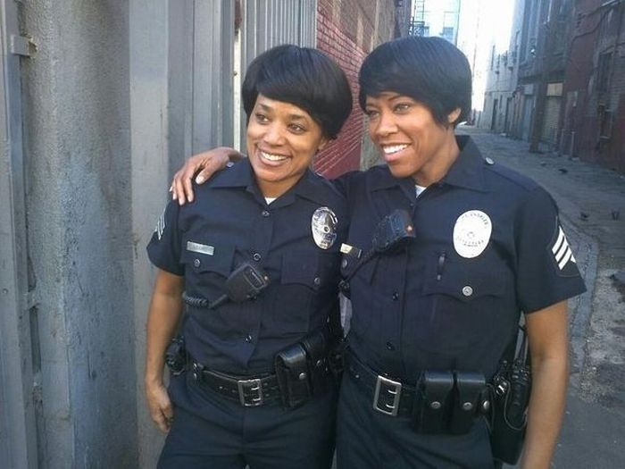 regina king and stunt double 30 Actors Posing With Their Stunt Doubles