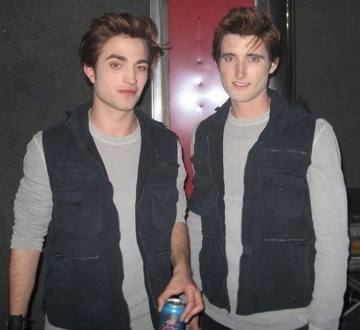 rob pattinson stunt double 30 Actors Posing With Their Stunt Doubles