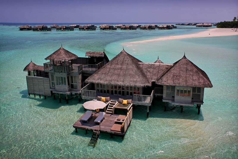 The amazing stilt houses of soneva gili in the maldives for Los mejores hoteles de maldivas