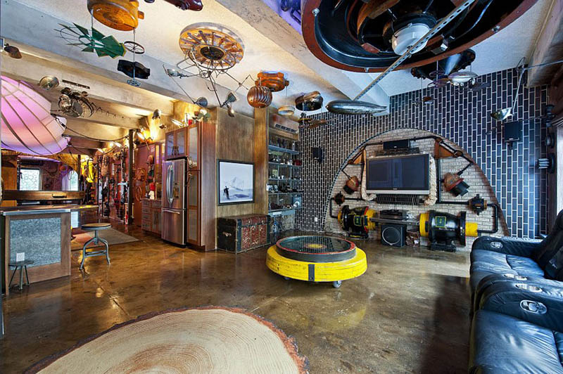 Crazy steampunk apartment in new york city twistedsifter for Crazy interior designs