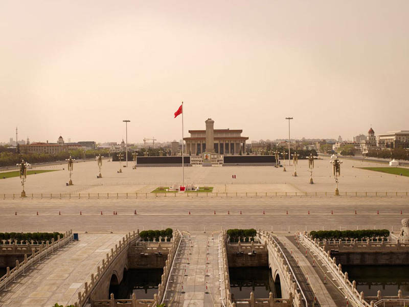 tiananmen square 200x256cm 2010 silent world without people lucie and simon Visions of Cities Without People