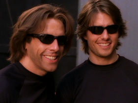 tom cruise and stunt double copy 30 Actors Posing With Their Stunt Doubles