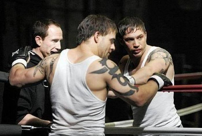 tom hardy and stuntman 30 Actors Posing With Their Stunt Doubles