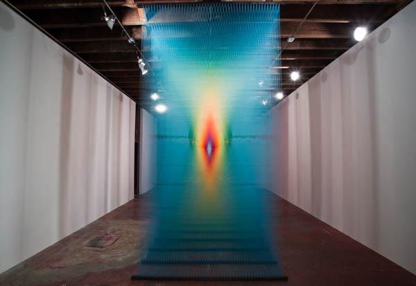 art installation colored thread plexus 3 gabriel dawe 2 6 Amazing Color Spectrums Made from Thread