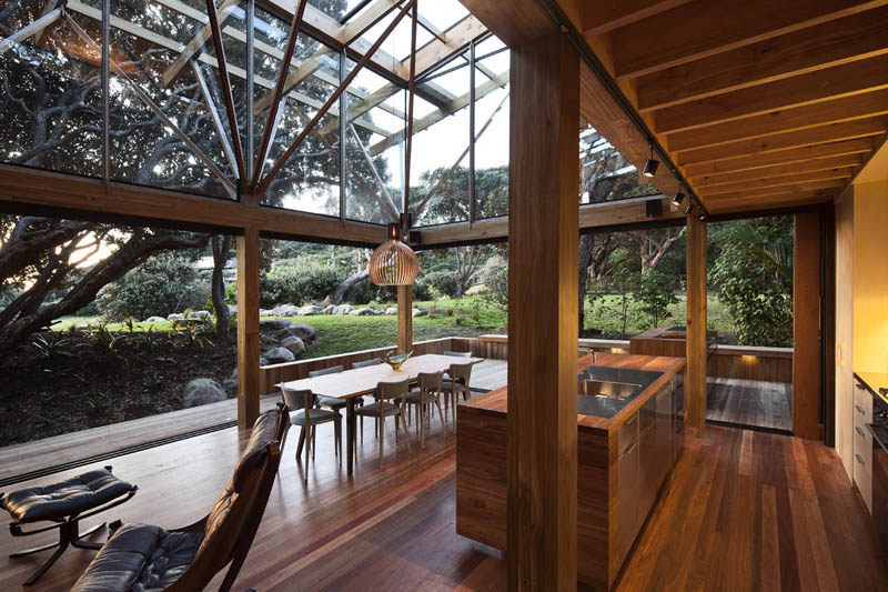 Award winning beach house surrounded by trees twistedsifter for Coastal home designs nz