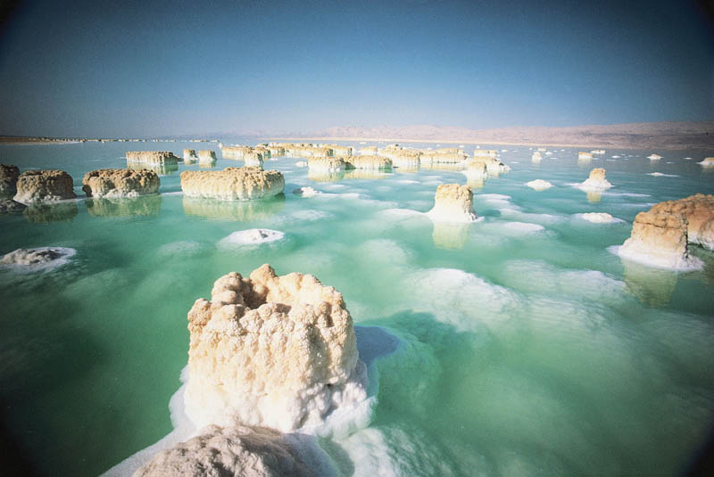 salt formations in the dead sea