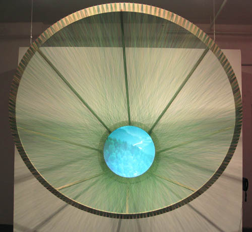 eye made from colored thread gabriel dawe 4 6 Amazing Color Spectrums Made from Thread