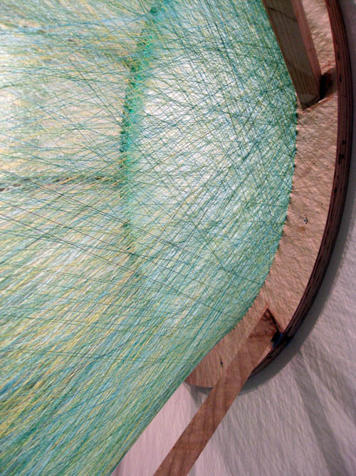 eye made from colored thread gabriel dawe 5 6 Amazing Color Spectrums Made from Thread