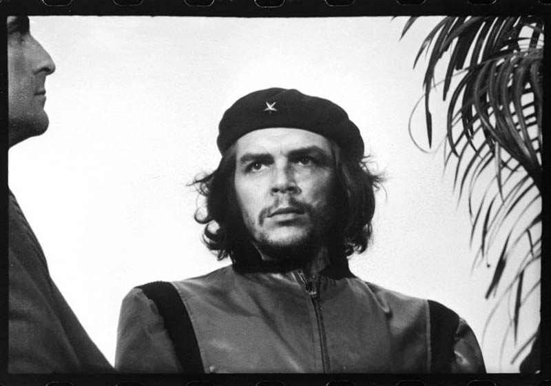 uncropped famous photo of che guevara